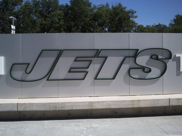 Jets sign 001